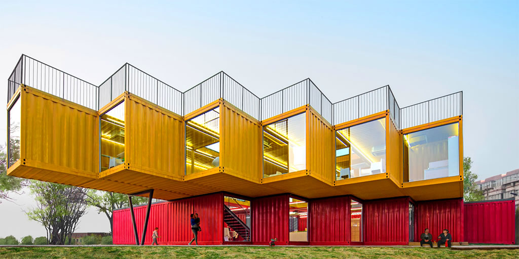 stacked-shipping-containers-china-tw