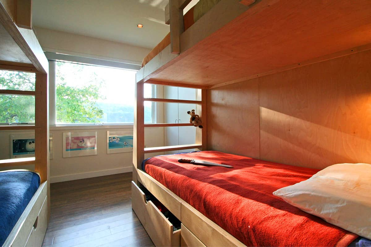 modern modular container home bedroom 01
